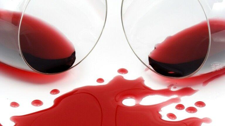 az arcon és a fején vörös foltok és pikkelyesek kórházi pikkelysömör kezelésére szolgáló gyógyszerek