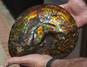 kövek és ásványi anyagok, amelyek pikkelysömör kezelésére szolgálnak