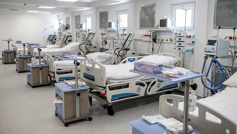 hogyan kezelik a pikkelysmrt a nappali kórházban)