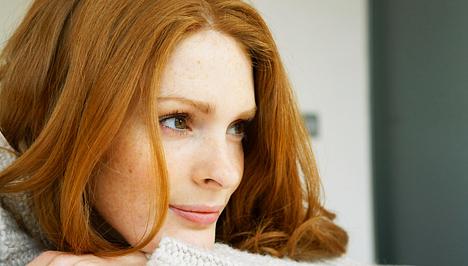 hogyan takarhat el egy vörös foltot az arcán