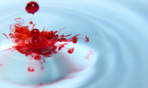 egy álomban vörös foltok vannak a kezeken a gyógynövények segítenek a pikkelysömörben