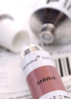 bőrkiütés vörös foltok formájában viszketés kezelésével